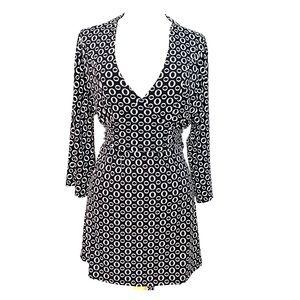 Geometric black/ivory surplice dress w/tie back